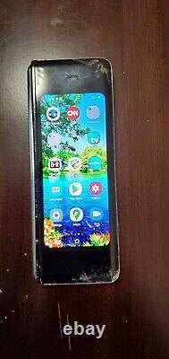Samsung Galaxy Fold 512GB Martian Green (AT&T) (Single SIM) main lcd damaged